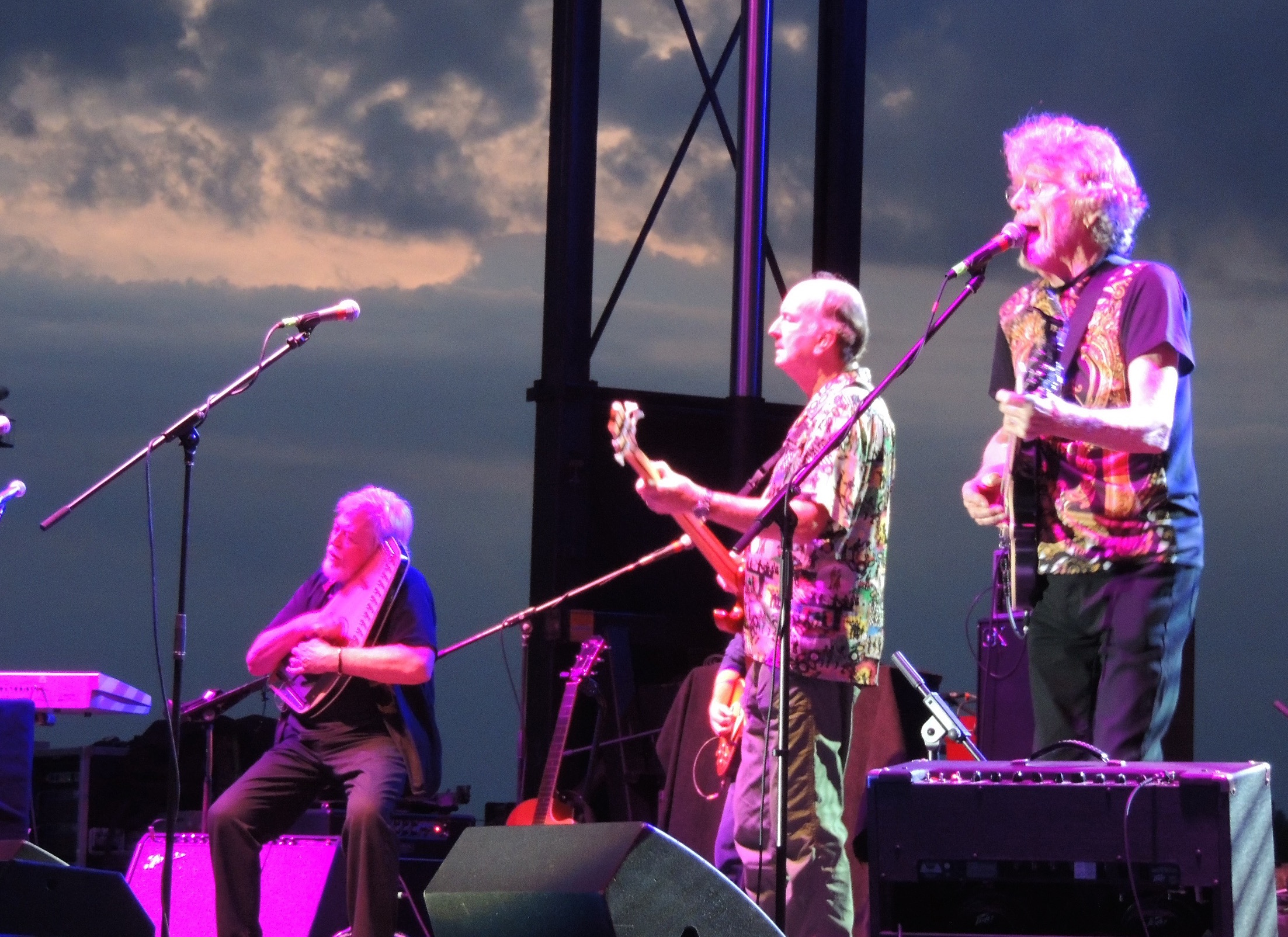 Full Story Hippiefest Concert Thrills Tioga Downs Audience Owego