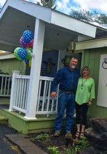 Hen's Teeth Primitives opens in Owego