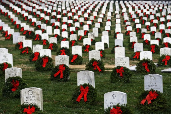 Christmas Wreaths to honor veterans this holiday season