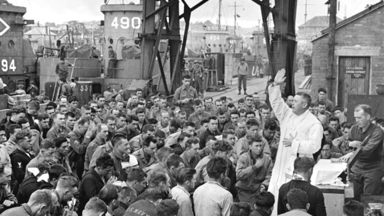 D-Day Chaplain celebrates Mass