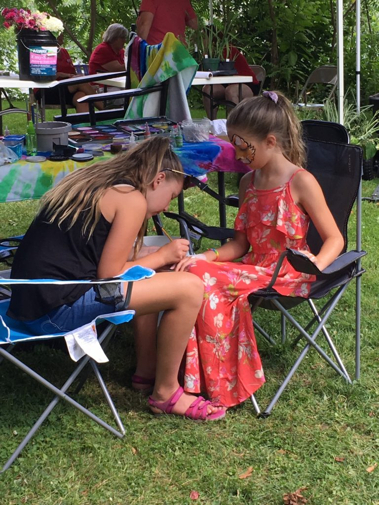 'Budding Artists' and more at En Plein Air