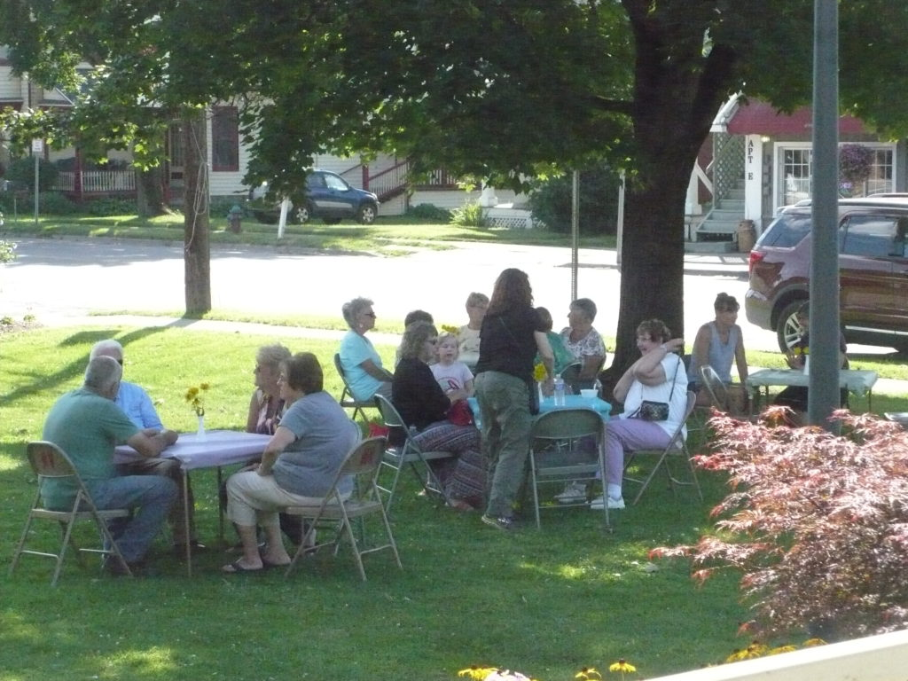 Tillers and Toilers hold successful ice cream social