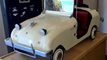 Cars We Remember - Talented reader builds four-foot long wooden Crosley Hotshot; Crosley Car Owners Club info
