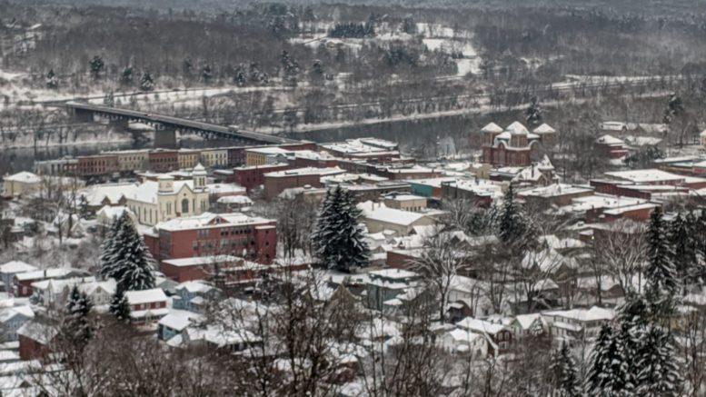 Photos of snow in Evergreen Cemetery