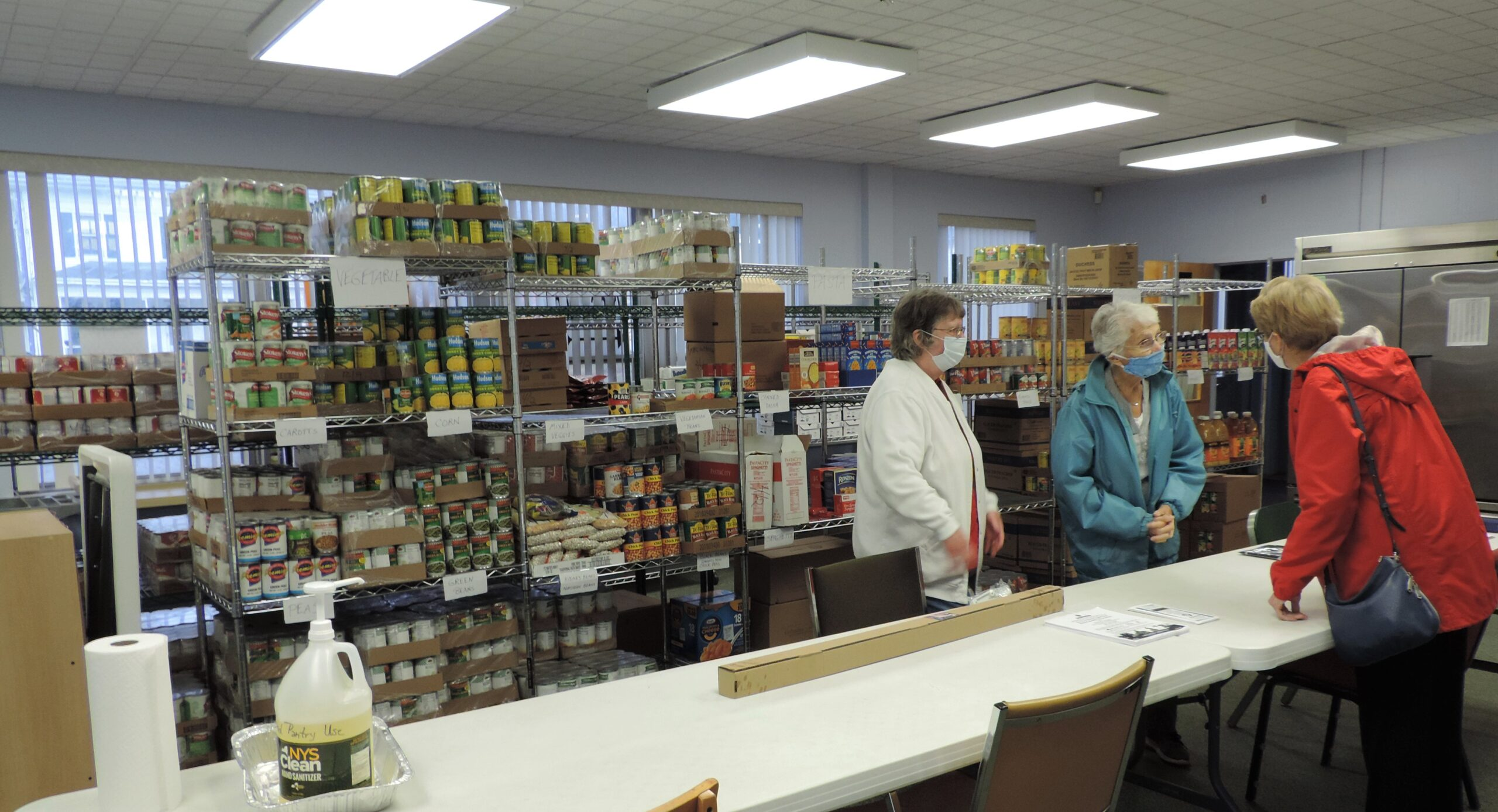 Project Neighbor Food Pantry holds ribbon cutting at new location