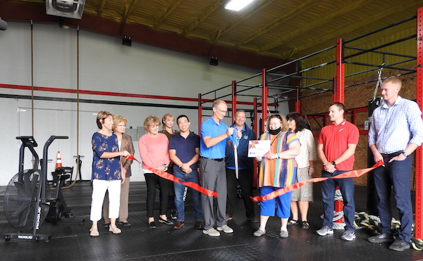 Chamber welcomes Summit Fitness with ribbon cutting ceremony